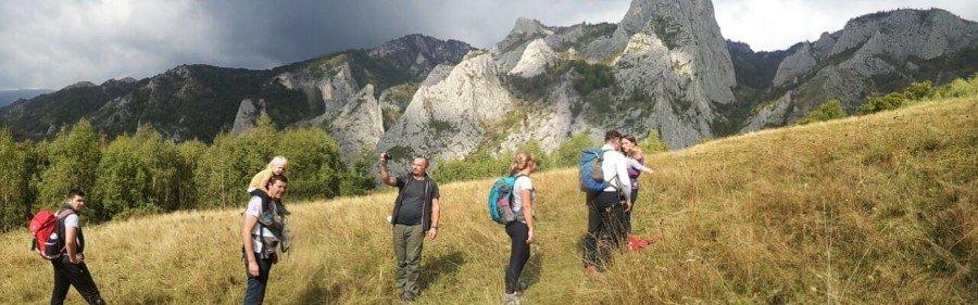 Aventuri in cinci O duminica pe traseu de munte la Scarita Belioara (4)