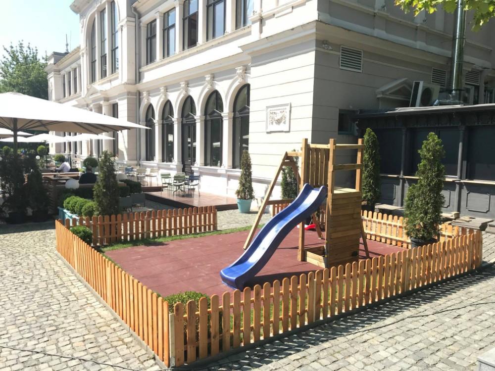 Aventuri in cinci Terase cu loc de joacă în Cluj