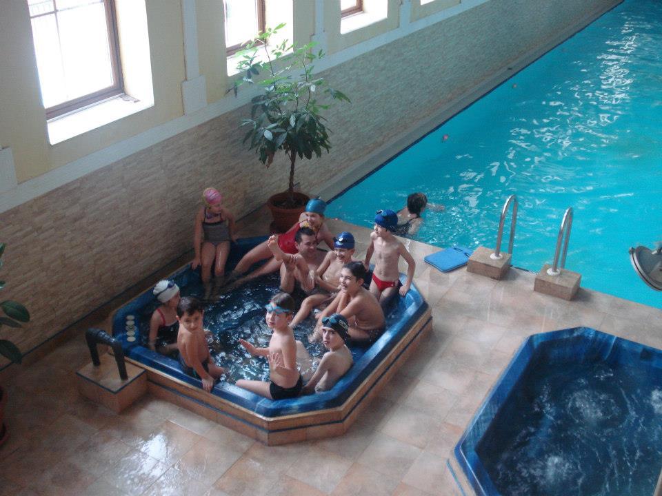 Aventuri in cinci Ce activități poți face cu copiii prin apropierea Clujului când plouă