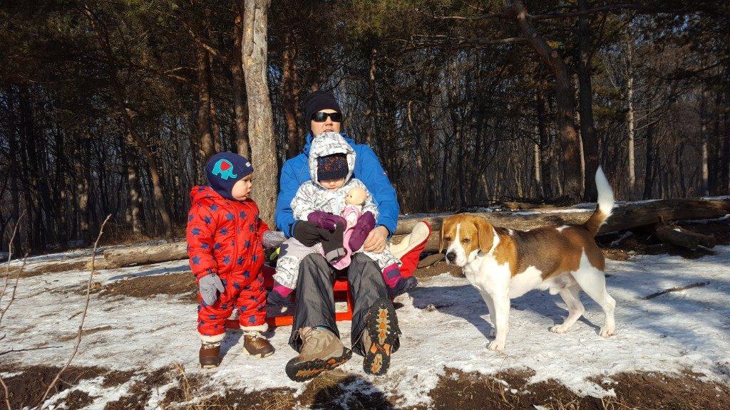 Aventuri in cinci Prima aventura la zapada